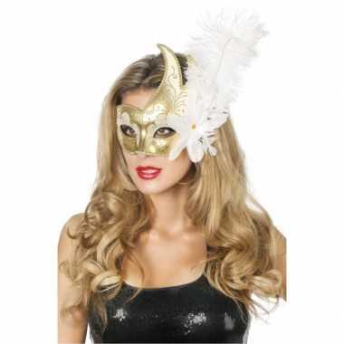 Carnaval oogmasker wit goud met grote bloem en veer