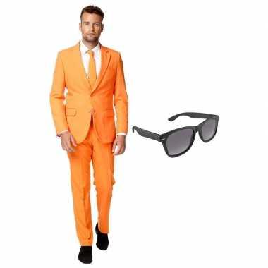 Oranje heren carnavalspak maat 54 (xxl) met gratis zonnebril