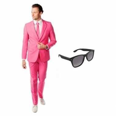 Roze heren carnavalspak maat 52 (xl) met gratis zonnebril