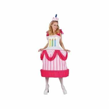 Taart met kaarsjes dames carnavalspak